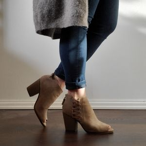 NWOT Kenneth Cole Open Toe Ankle Boots